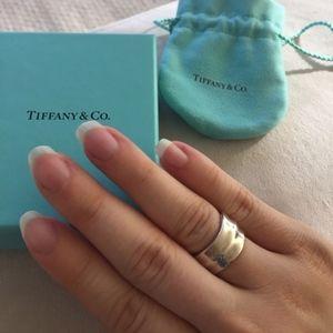 Tiffany & Co. Leaf Ring - Size 5